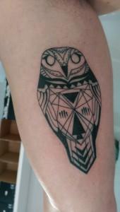 Den Tumi piercing en tattoo (35) owl uil