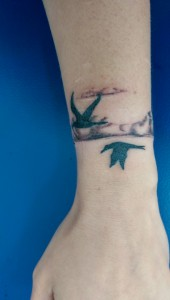 Den Tumi piercing en tattoo (99) birds - vogels